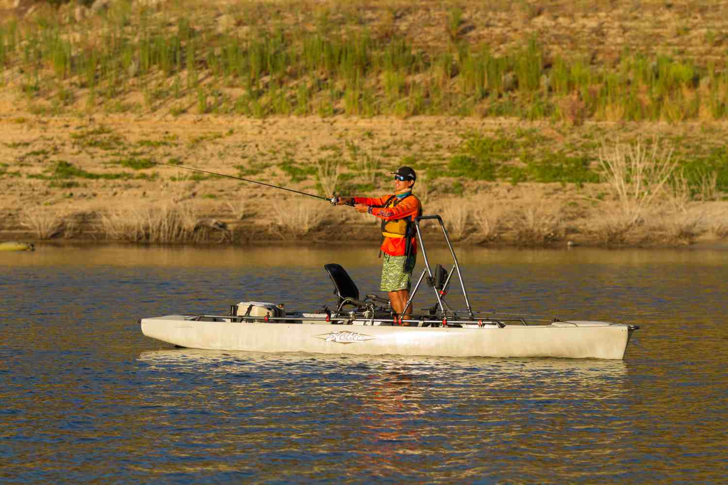 2017 hobie mirage pro angler 17t for Fishing kayak with livewell